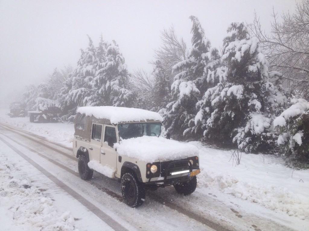 טיולי ג'יפים בחורף צפון הגולן המושלג עם פלגי בזלת
